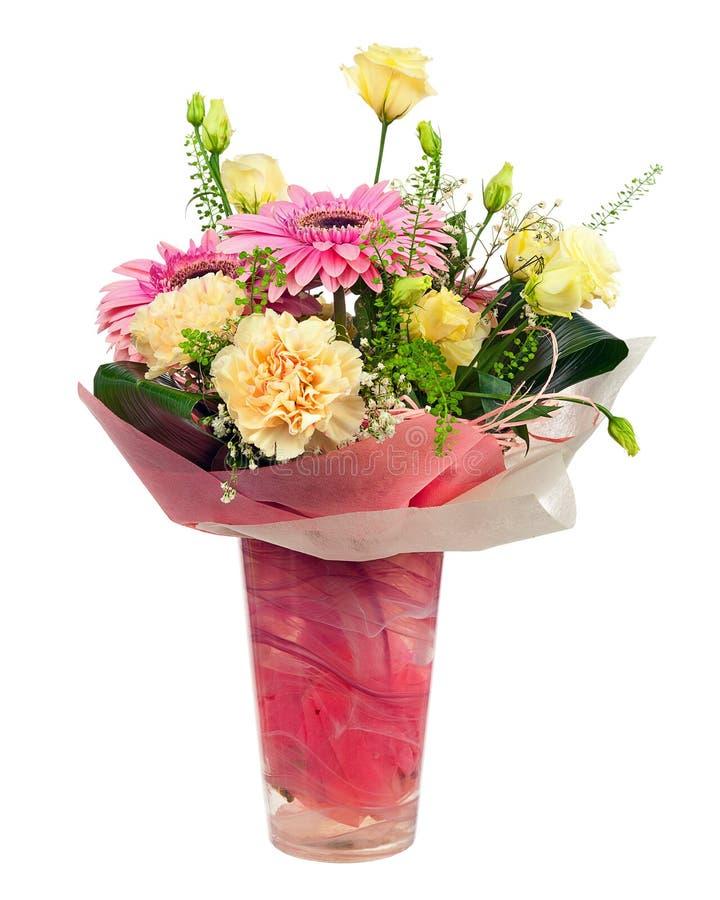 Den härliga buketten av gerberaen, nejlikor och annan blommar fotografering för bildbyråer