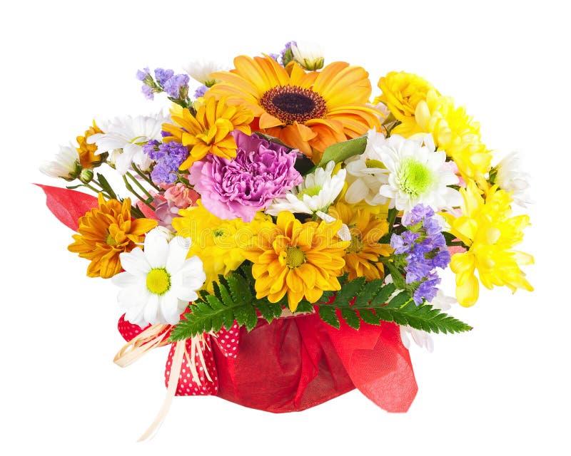 Den härliga buketten av gerberaen, nejlikor och annan blommar royaltyfri foto