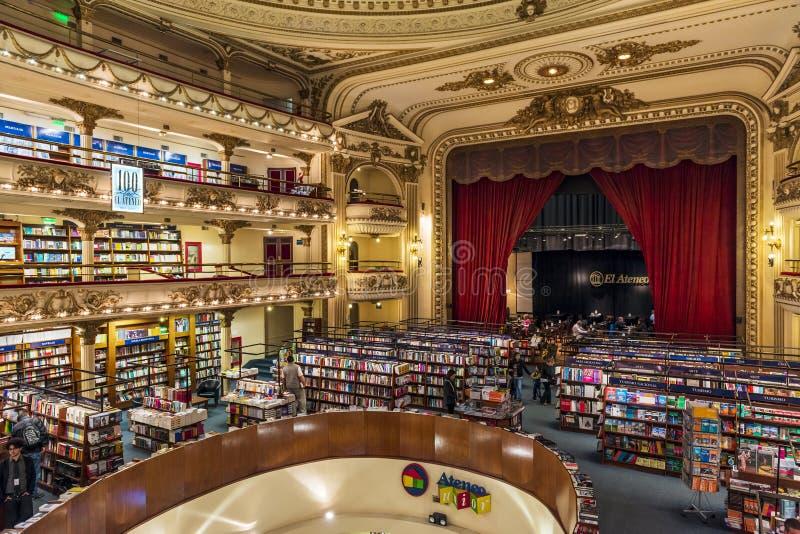 Den härliga `en för bokhandel`-El Ateneo i staden av Buenos Aires, Argentina royaltyfria foton