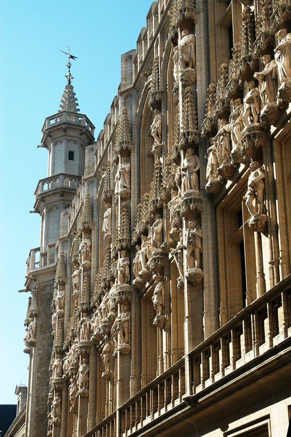 Den härliga fasaden av huset royaltyfri bild