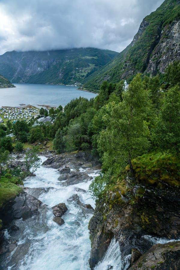 Den härliga Geiranger fjorden i Norge fotografering för bildbyråer