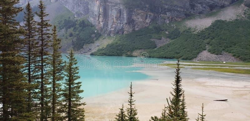 Den härliga kanadensaren Rocky Mountains royaltyfria foton