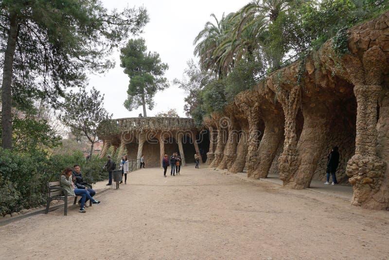 Den härliga kolonnstrukturen på parkerar guell, Barcelona, Spanien royaltyfri bild