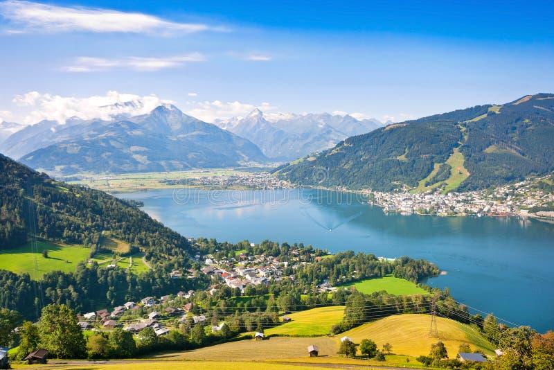 Den härliga sikten av Zell am ser, Österrike arkivbild