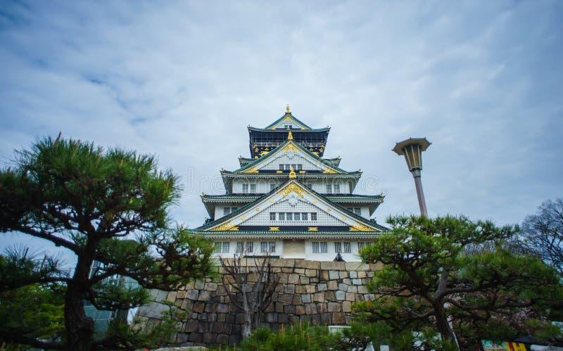 Den härliga slotten i Osaka royaltyfri fotografi