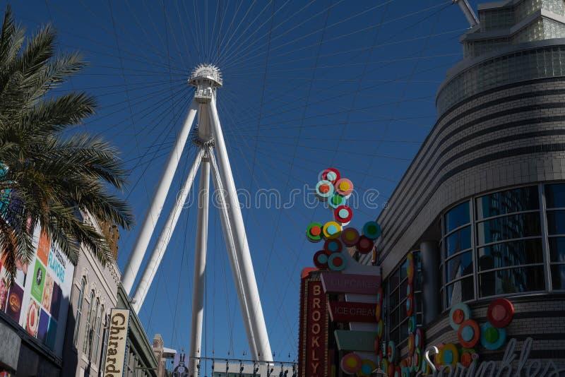 Den höga rullen Ferris Wheel på Linqen, Las Vegas, Nevada royaltyfri bild