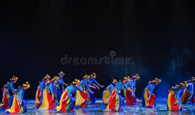 Den höglands- kornte-våren av Lhasa-Kina den etniska dansen royaltyfri foto