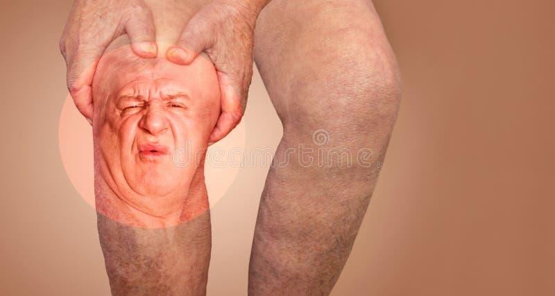Den h?ga mannen som rymmer kn?et med, sm?rtar collage Begreppet av abstrakt begrepp sm?rtar och misstr?star arkivfoton
