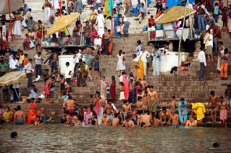 Den heliga floden Ganges royaltyfria bilder