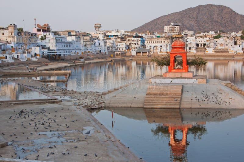 Den heliga sjön på Pushkar i Rajasthan royaltyfria bilder