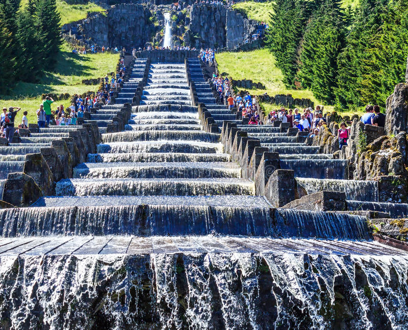 Den Hercules monumentet är en viktig gränsmärke i den tyska staden av Kassel royaltyfri bild