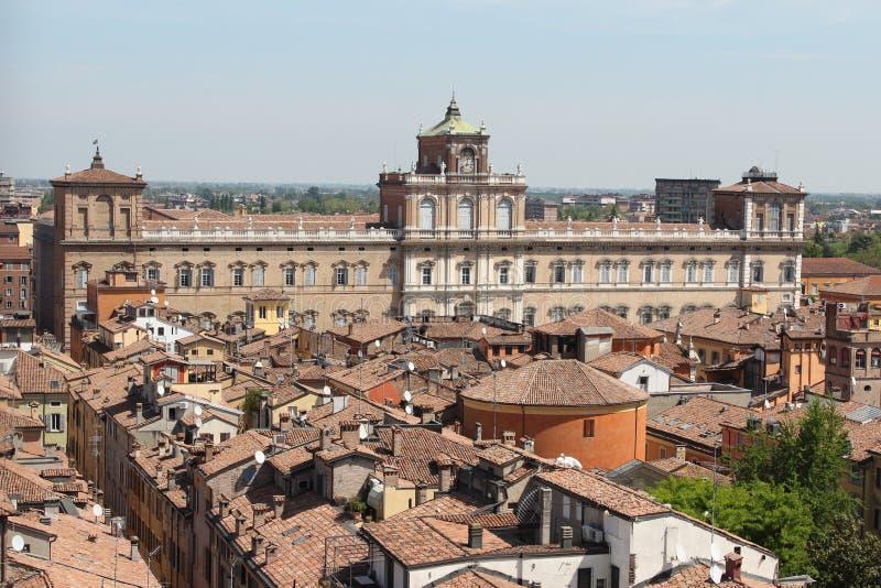 Den hertigliga slotten, Modena royaltyfri foto
