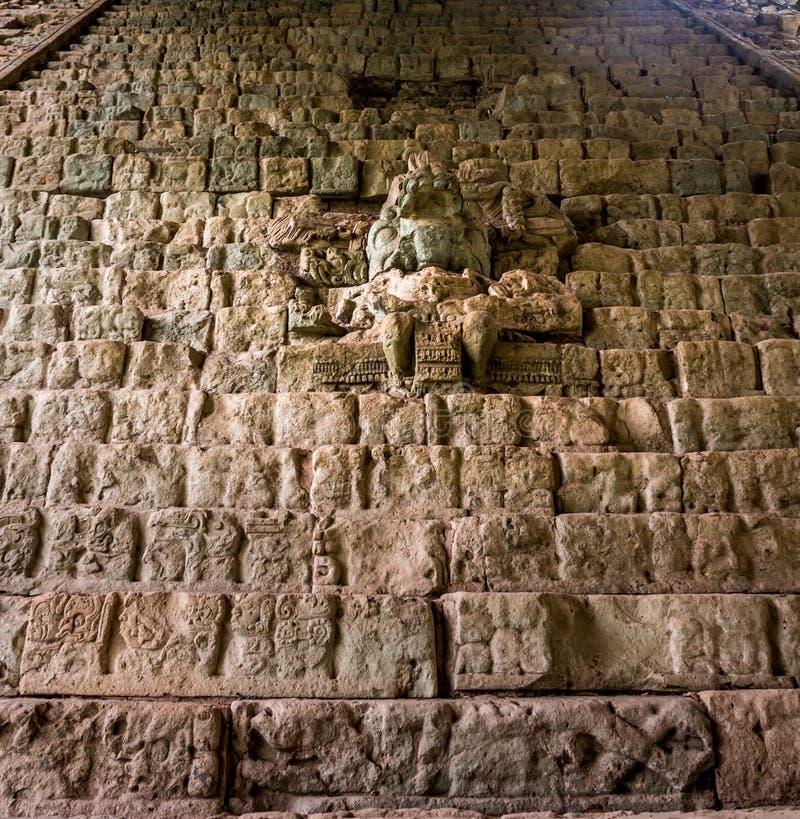 Den hieroglyfiska trappan på Mayan fördärvar - Copan den arkeologiska platsen, Honduras arkivfoton