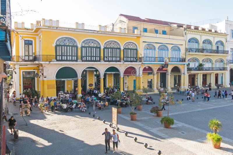 Den historiska gamla fyrkanten eller plazaen Vieja i den koloniala grannskapen av den gamla havannacigarren arkivbilder