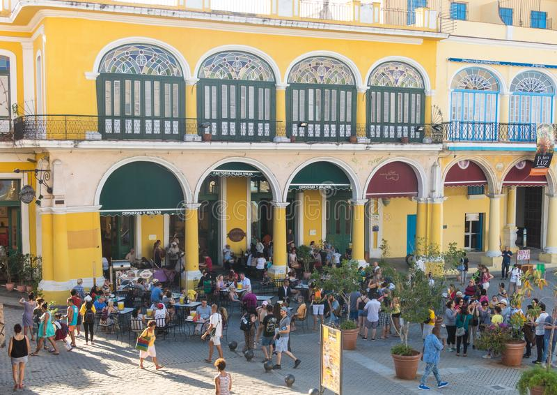 Den historiska gamla fyrkanten eller plazaen Vieja i den koloniala neighborhen fotografering för bildbyråer