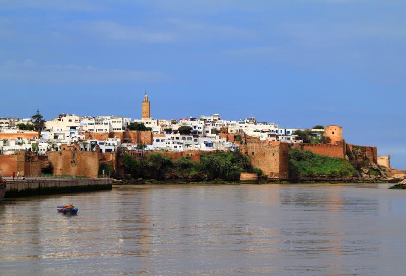 Rabat Marocko flod och Medina royaltyfria foton