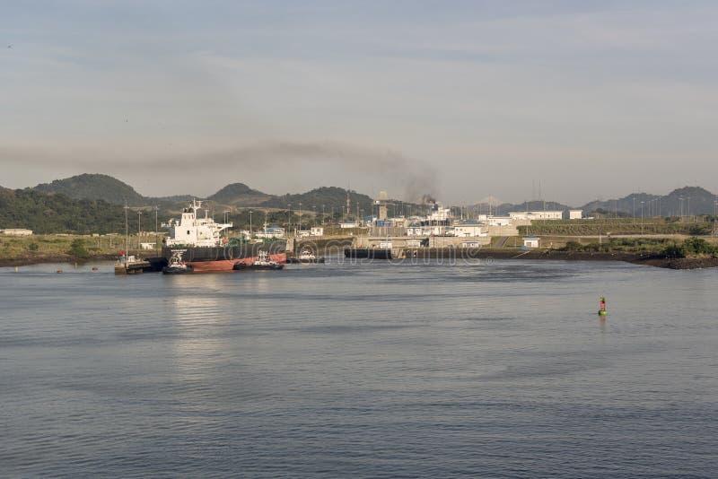 Den Hoveden anden som skriver in CocolÃen, låser utvidgning för den Panama kanalen arkivfoton