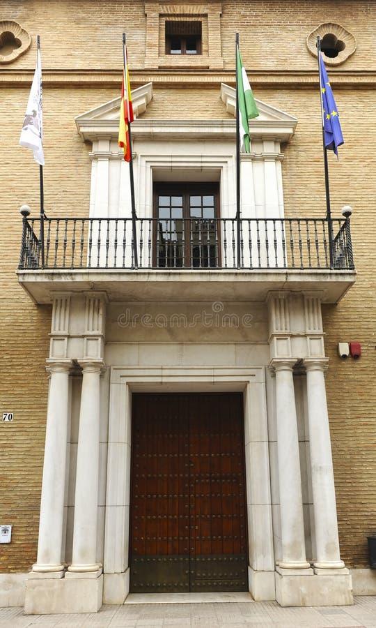 Den huvudsakliga ingången i stadshuset av Antequera, Malaga landskap, Spanien royaltyfri bild