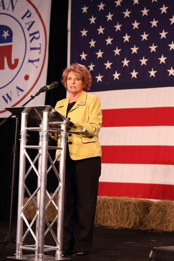 Den Iowa talmannen valda Linda Upmeyer talar fotografering för bildbyråer