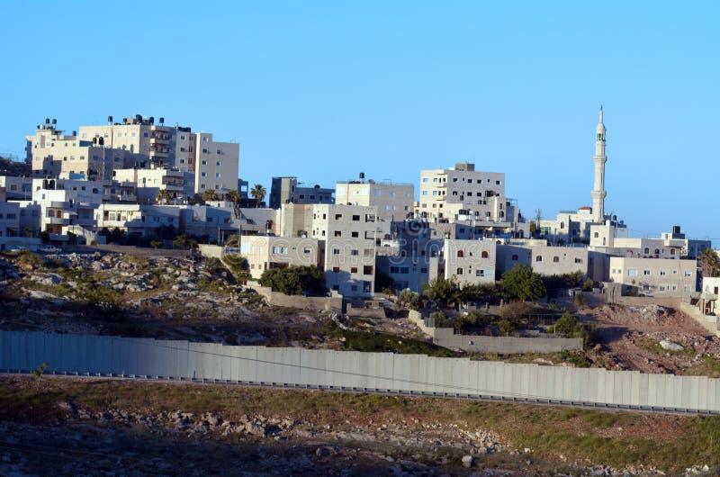 Den israeliska Västbankenbarriären fotografering för bildbyråer