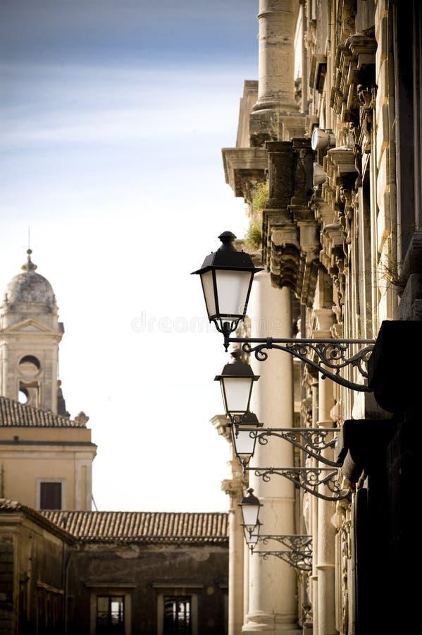 Den italienska gatan beskådar arkivfoton