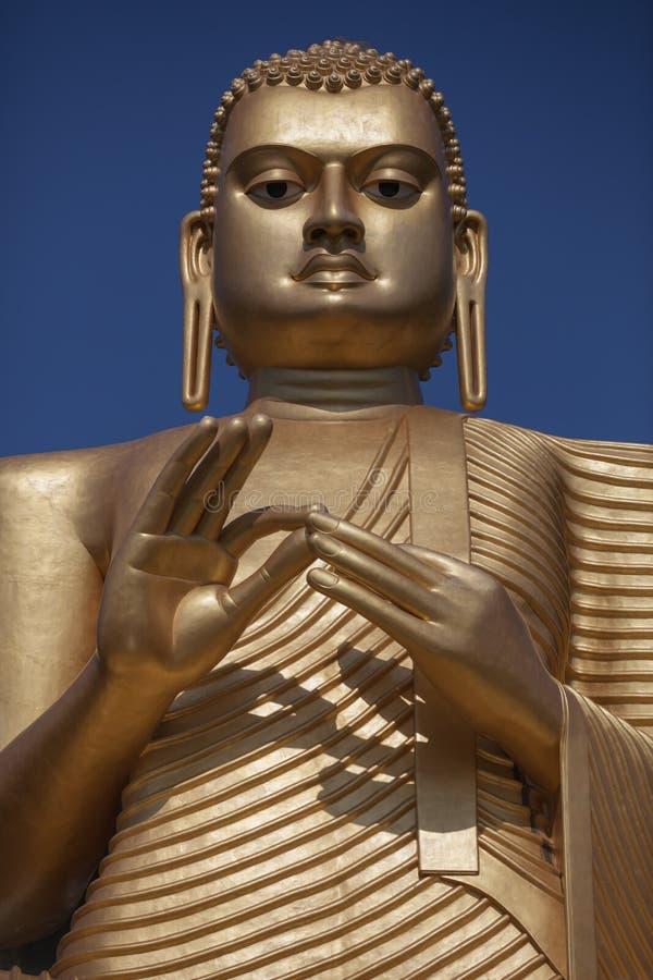 Den jätte- Buddhastatyn i Dambulla Sri Lanka fotografering för bildbyråer