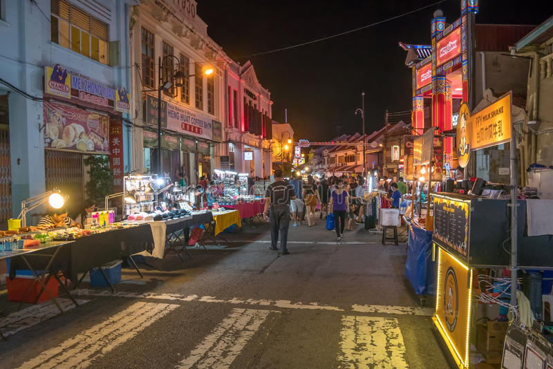 Den Jonker gatan säljer allt från smakliga foods till billiga minnessaker royaltyfri fotografi