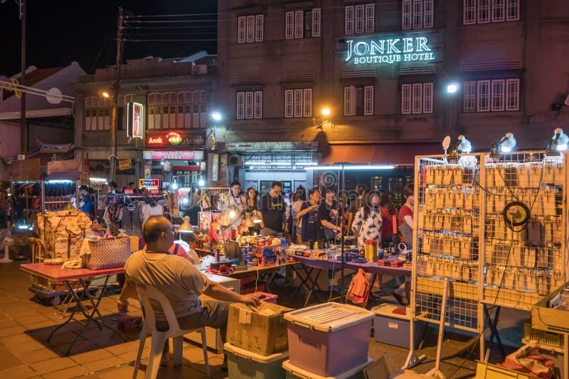Den Jonker gatan säljer allt från smakliga foods till billiga minnessaker arkivbilder