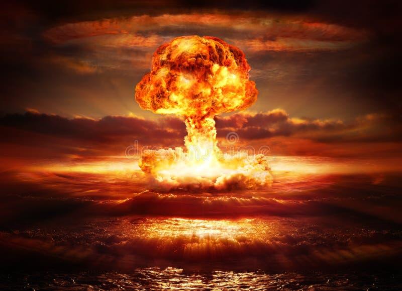 Den kärn- explosionen bombarderar royaltyfri foto