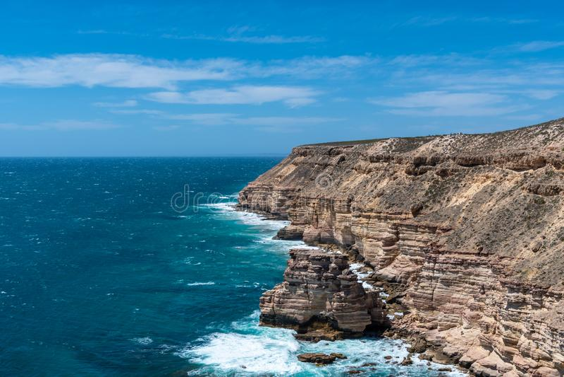 Den Kalbarri nationalpark?n vaggar, rockerar lilla viken och den naturliga bron i v?stra Australien royaltyfria foton