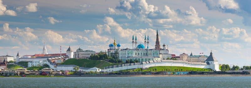Den Kazan Kreml på bankerna av floden Kazanka, Ryssland arkivfoton