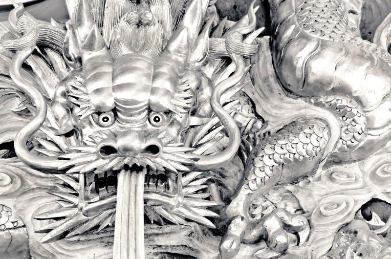 Den kinesiska draken snider arkivbilder