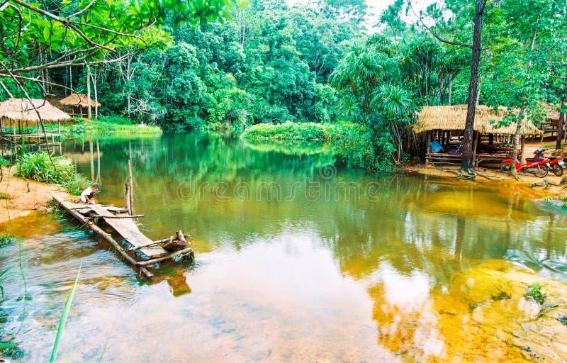 Den Kirirom nationalparken är på det Kirirom berget som lokaliseras i det KampongSpeu landskapet Cambodja arkivbild