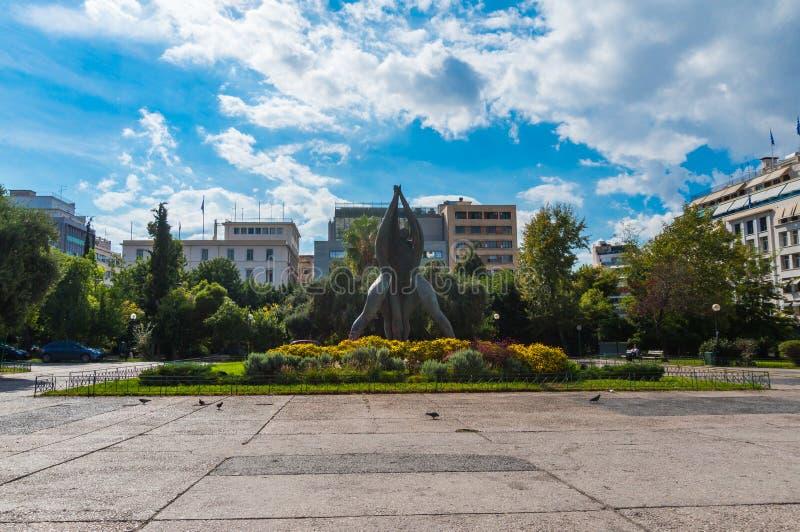 Den Klathmonos fyrkanten är mitten den historiska mitten av Aten royaltyfria bilder