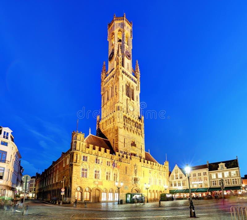 Den klockstapeltornet, aka Belforten, av Bruges, medeltida klockatorn in arkivfoto