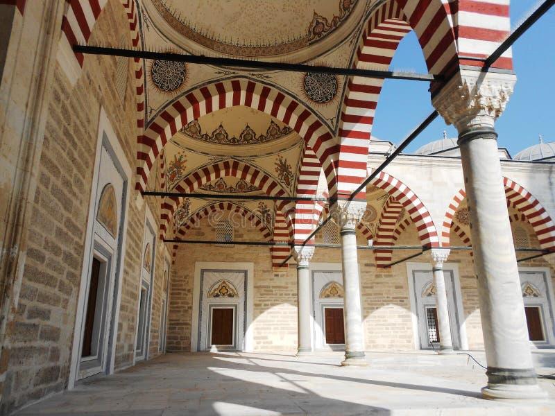 Den Konya Mevlana madrasaen, hes den enda prästmannen ankom i denna värld ingen fråga vad, tänkare arkivfoton