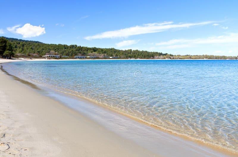 Solig strand på Halkidiki i Grekland arkivfoton