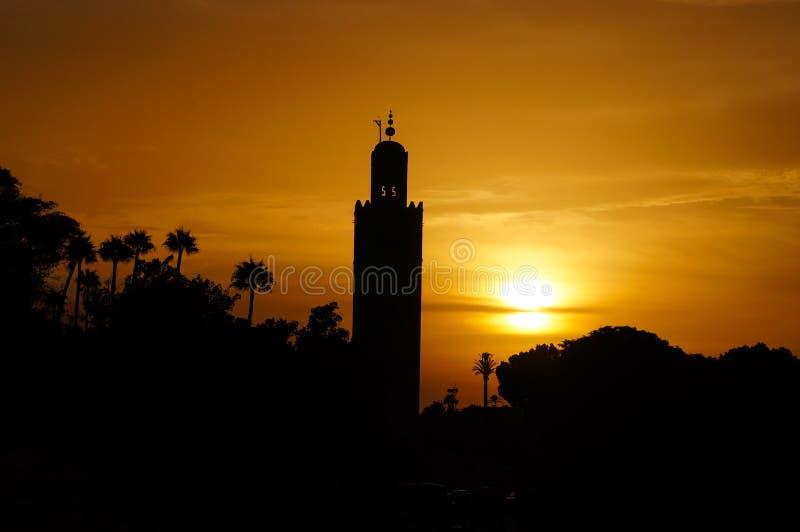 Den Koutoubia moskén i solnedgång, Marrakesh royaltyfri fotografi