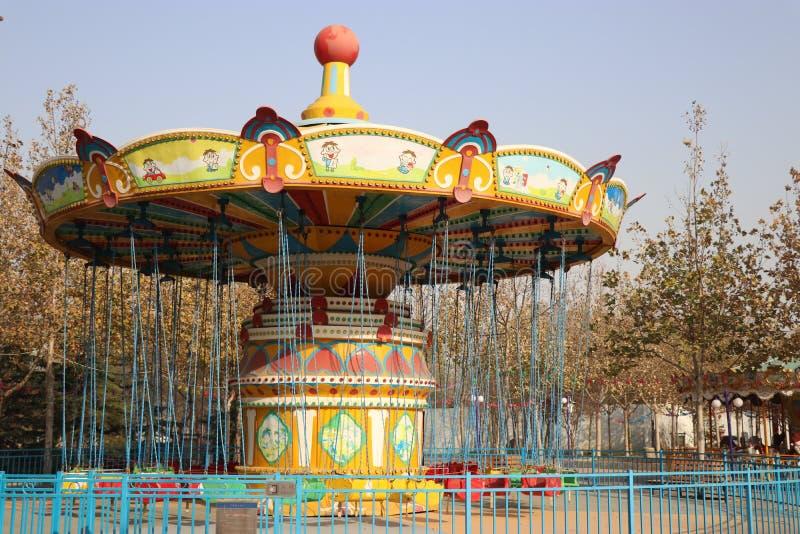 Den kretsa Trojanska hästen i lekplatsen arkivfoton