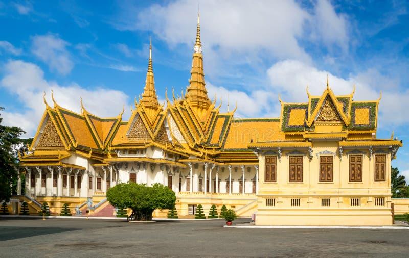 Den kungliga slotten i Phnom Penh royaltyfria foton