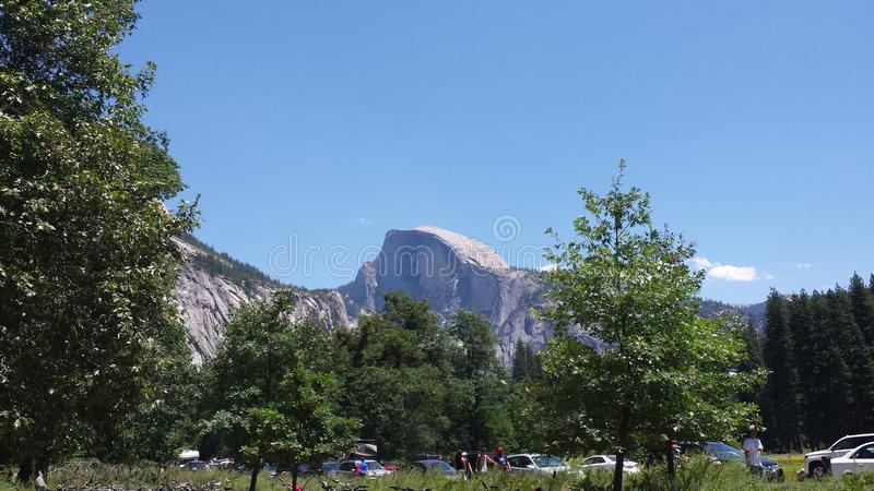 Den kupolyosemite nationalparken royaltyfri fotografi