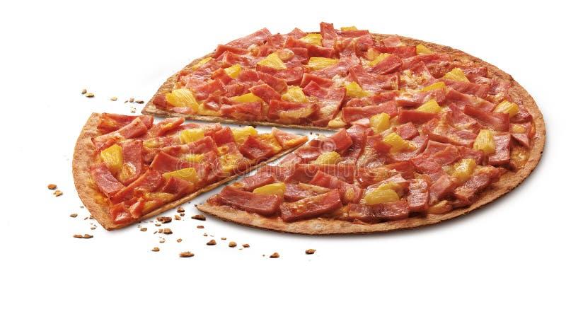 Den läckra tunna flamman grillade skinka- och ananaspizza med mozzar arkivfoto