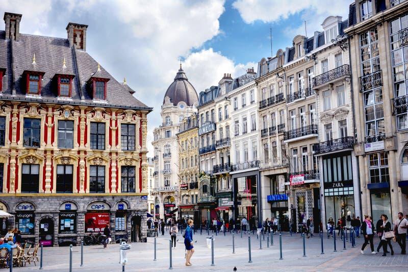 Den LILLE —Vieielle börsen, är det en av de viktiga monumenten av den franska staden av Lille france royaltyfri bild