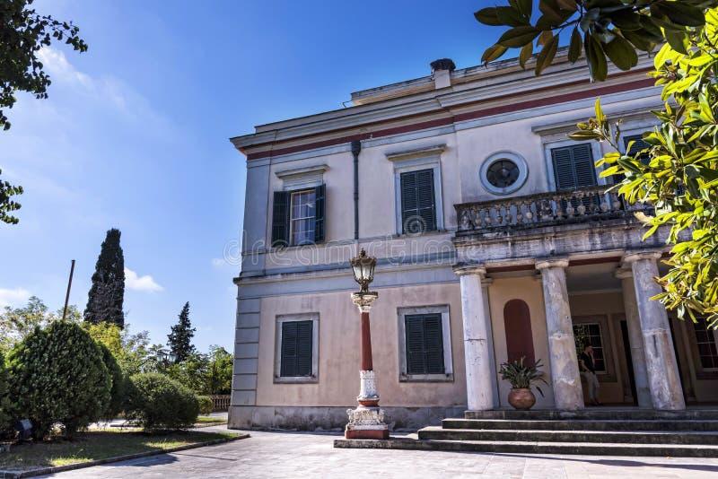 Den måndag Reposslotten & jordning som byggdes i 1924 av överkommissarien Frederick Adam och, blev senare egenskap av den grekisk royaltyfria foton