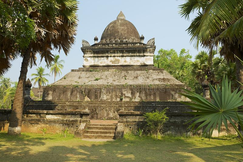 Den Mak Mo stupa på den Wat Visounnarath templet i Luang Prabang, Laos fotografering för bildbyråer