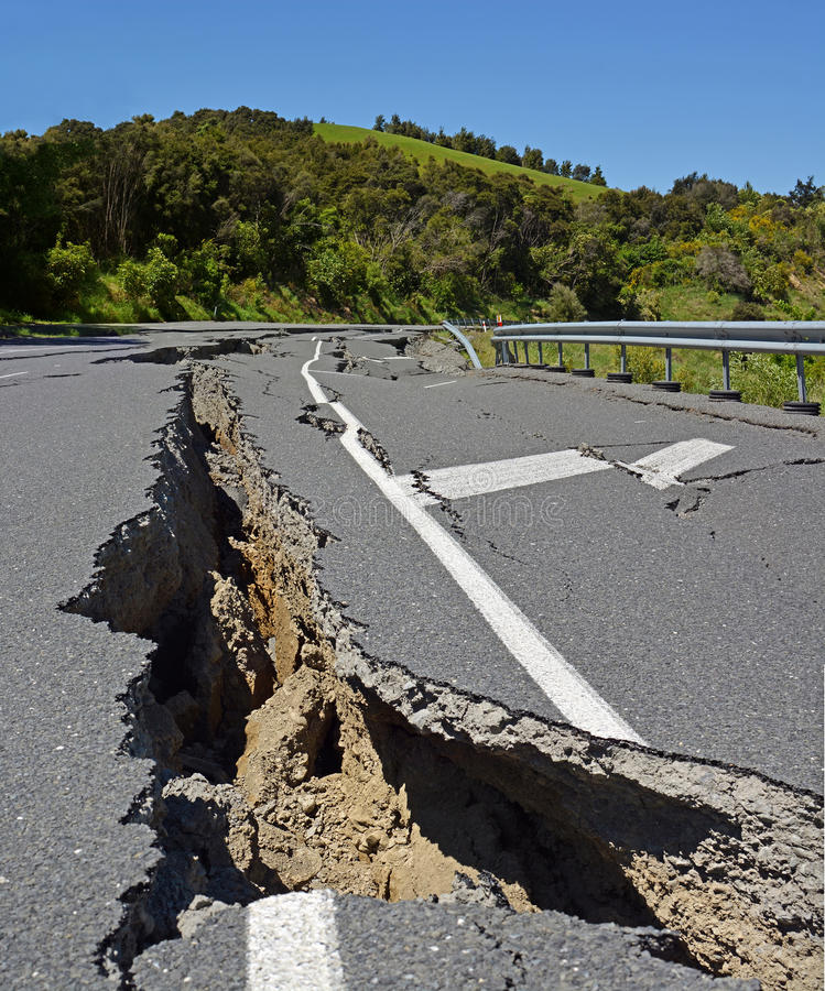 Den massiva jordskalvet flyttar halv nyazeeländsk nord vid flera meter royaltyfria bilder