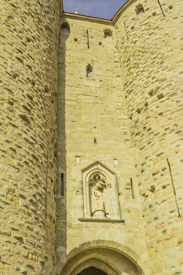 Den medeltida fästningen av Carcassonne royaltyfria bilder