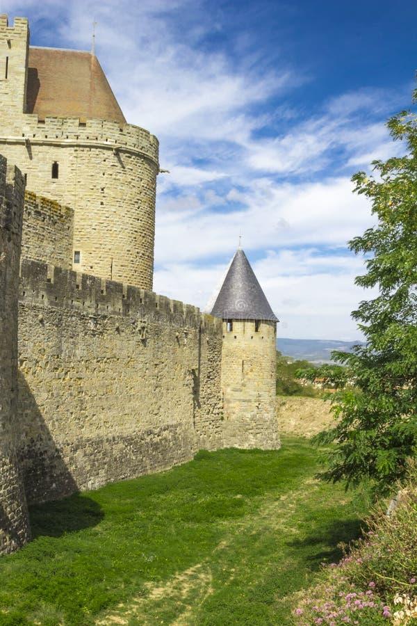 Den medeltida fästningen av Carcassonne royaltyfria foton