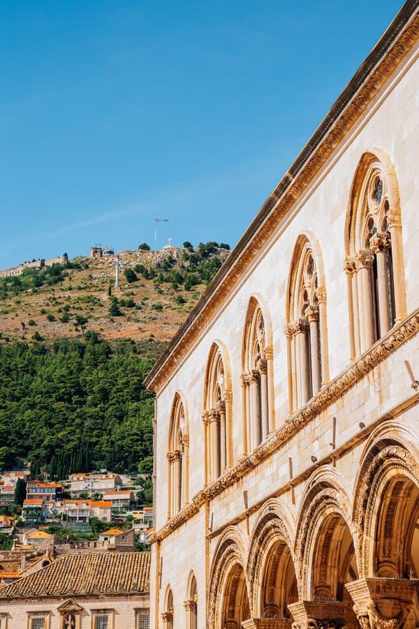 Den medeltida gamla stadsrektorns palats i Dubrovnik, Kroatien fotografering för bildbyråer