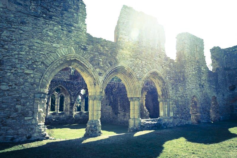 Den medeltida kyrkan fördärvar, den Netley abbotskloster, England, UK royaltyfria bilder